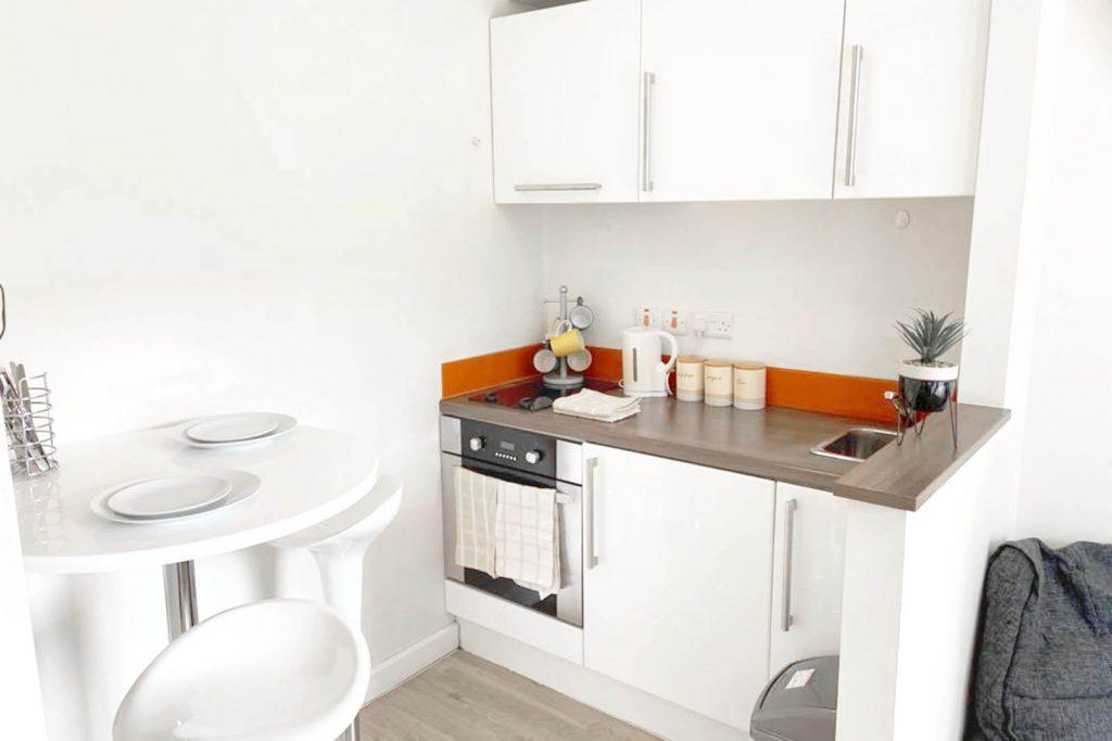 The pavilion student accommodation birmingham kitchen